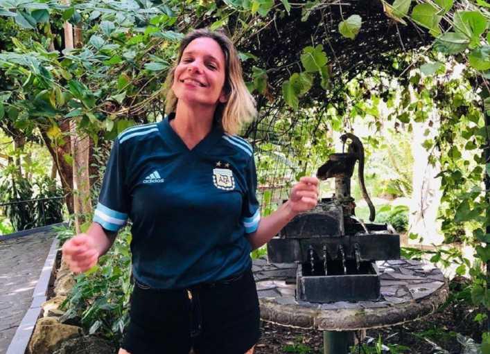 Boca Juniors retó a una periodista por pararse en las butacas para tomarse una foto