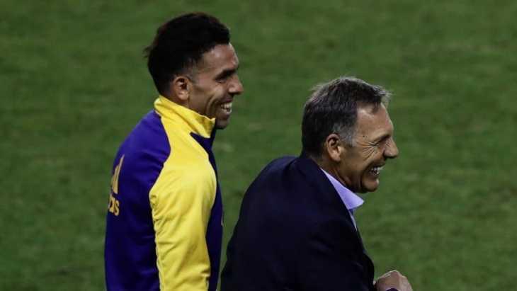 Carlos Tevez despidió a Russo y los hinchas de Boca estallaron de emoción