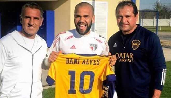 Dani Alves en los planes de Boca Juniors