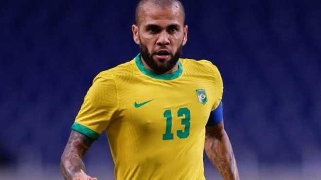 ¿Dani Alves puede jugar en Boca?
