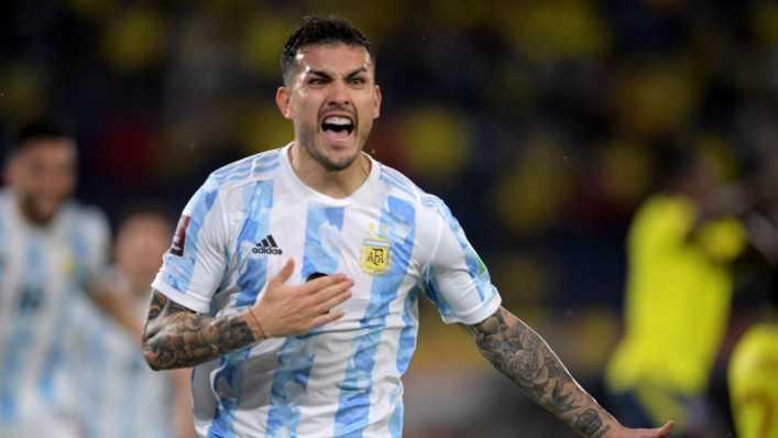 De papi fútbol: el golazo de Leandro Paredes a lo Riquelme