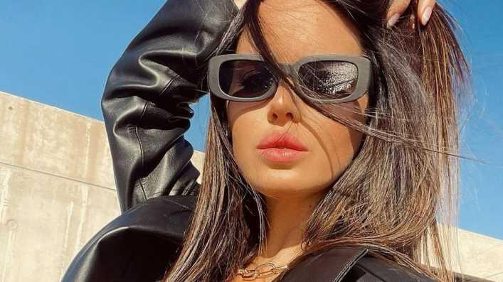 Desde Miami, en bikini cavada y de frente, Natalie Weber fulminó al invierno argentino
