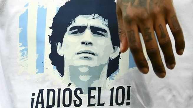Desvelan los tesoros de incalculable valor que Maradona guardaba en un contenedor en Buenos Aires