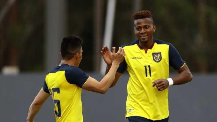 El 9 que estuvo en el radar de Boca sigue haciendo goles