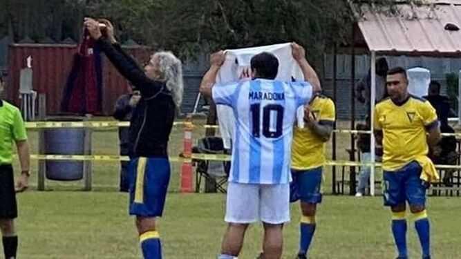 El último guiño de Mágico a Maradona