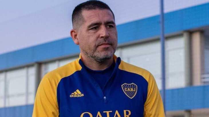 ¡Es ahora o nunca para Riquelme! Una estrella mundial que siempre quiso jugar en Boca quedó sin equipo