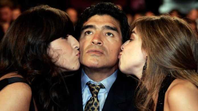 Escándalo en la familia de Maradona: Estaba abandonado por sus hijas