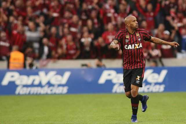 Fantino explotó con la caída de Boca y pidió por dos refuerzos brasileños