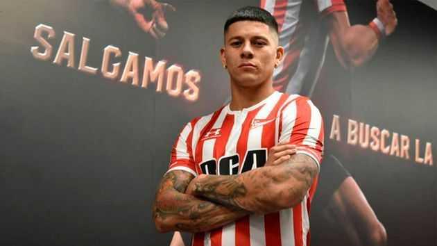 La foto de Marcos Rojo con la camiseta de Riquelme de Boca