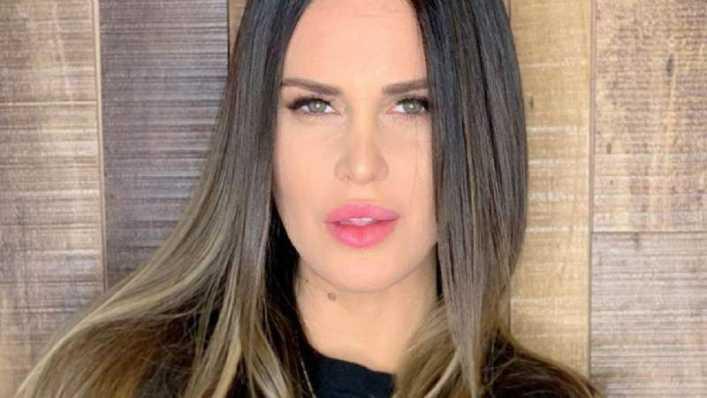 La minifalda roja de Natalie Weber metió más goles que Mauro Zárate