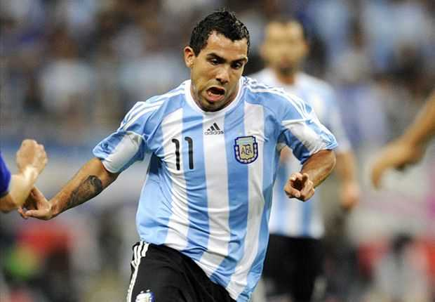 VIDEO: Locura por Tevez en la partida hacia Houston