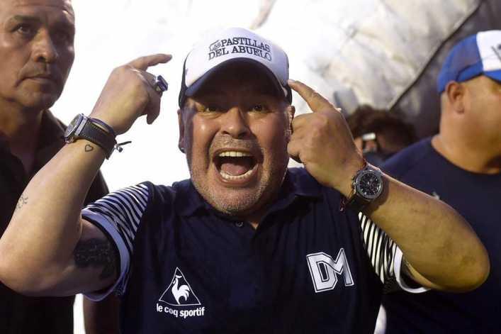 Maradona pasó al ataque: No es Ameal, es Amear