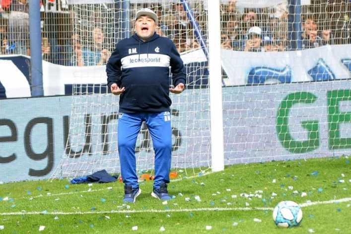 Maradona vuelve a la Bombonera: ¿Qué opinan los hinchas?