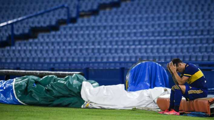 Mauro Zárate se lesionó ante Atlético Tucumán y preocupa a Boca