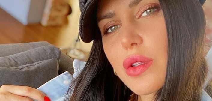 Natalie Weber desplegó su sensualidad con un look hot be cold
