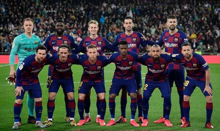 Riquelme quiere armar un Dream Team en Boca y va con todo por un exjugador de Barcelona