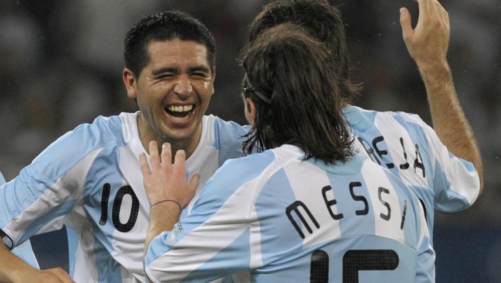 Riquelme quiere otro homenaje en Navidad para que asista Messi