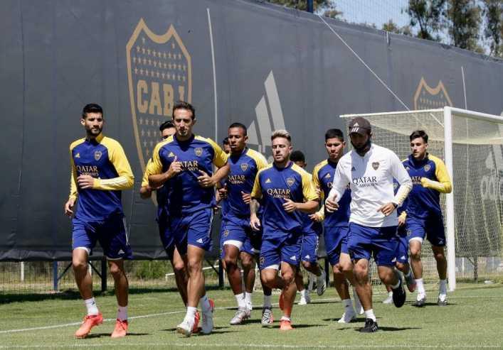 Russo y el plantel de Boca: una reunión para unir fuerzas y corregir errores