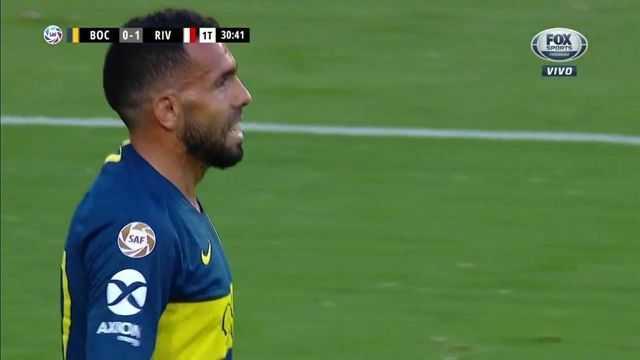 Tevez se comió el empate de Boca ante River