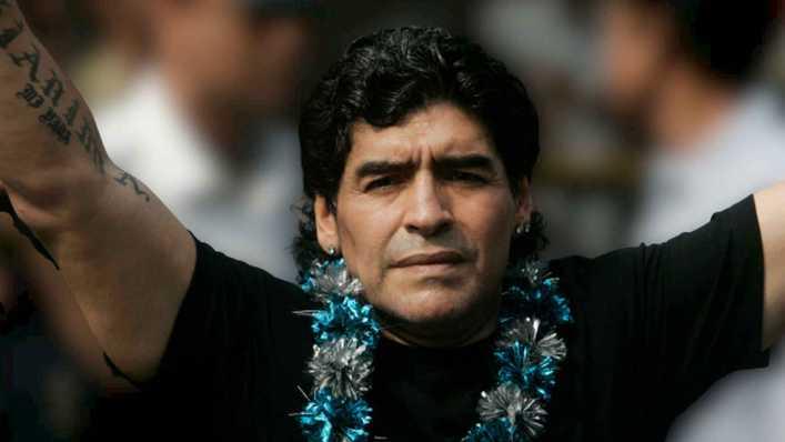 Un hijo de Maradona duda de su herencia