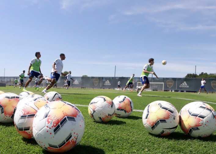 Una buena y una mala para Boca con vistas al choque con Santos