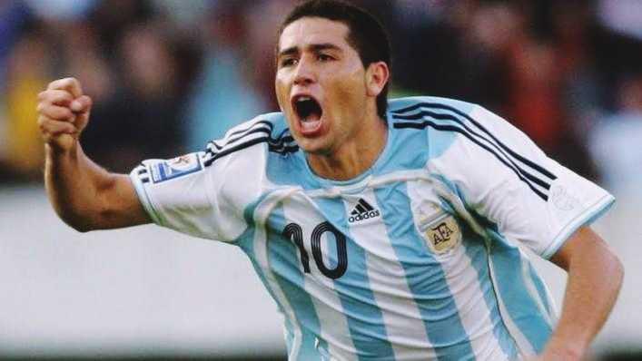 VIDEO: Top 10 goles de Riquelme con la selección